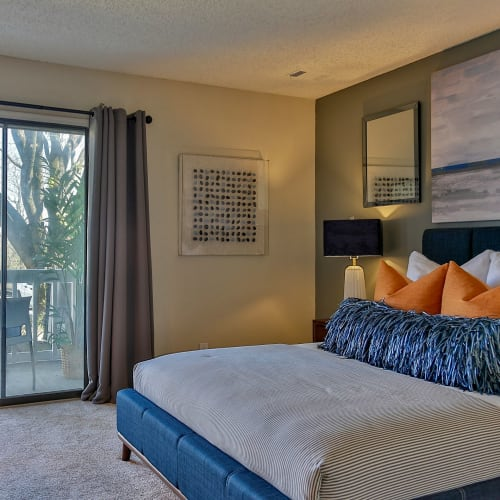 View virtual tour for 1 bedroom 1 bathroom unit at Lyric on Bell in Antioch, Tennessee