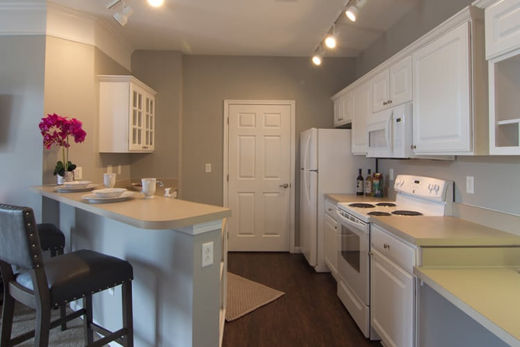 Spacious kitchen at Chelsea Place in Toledo, Ohio