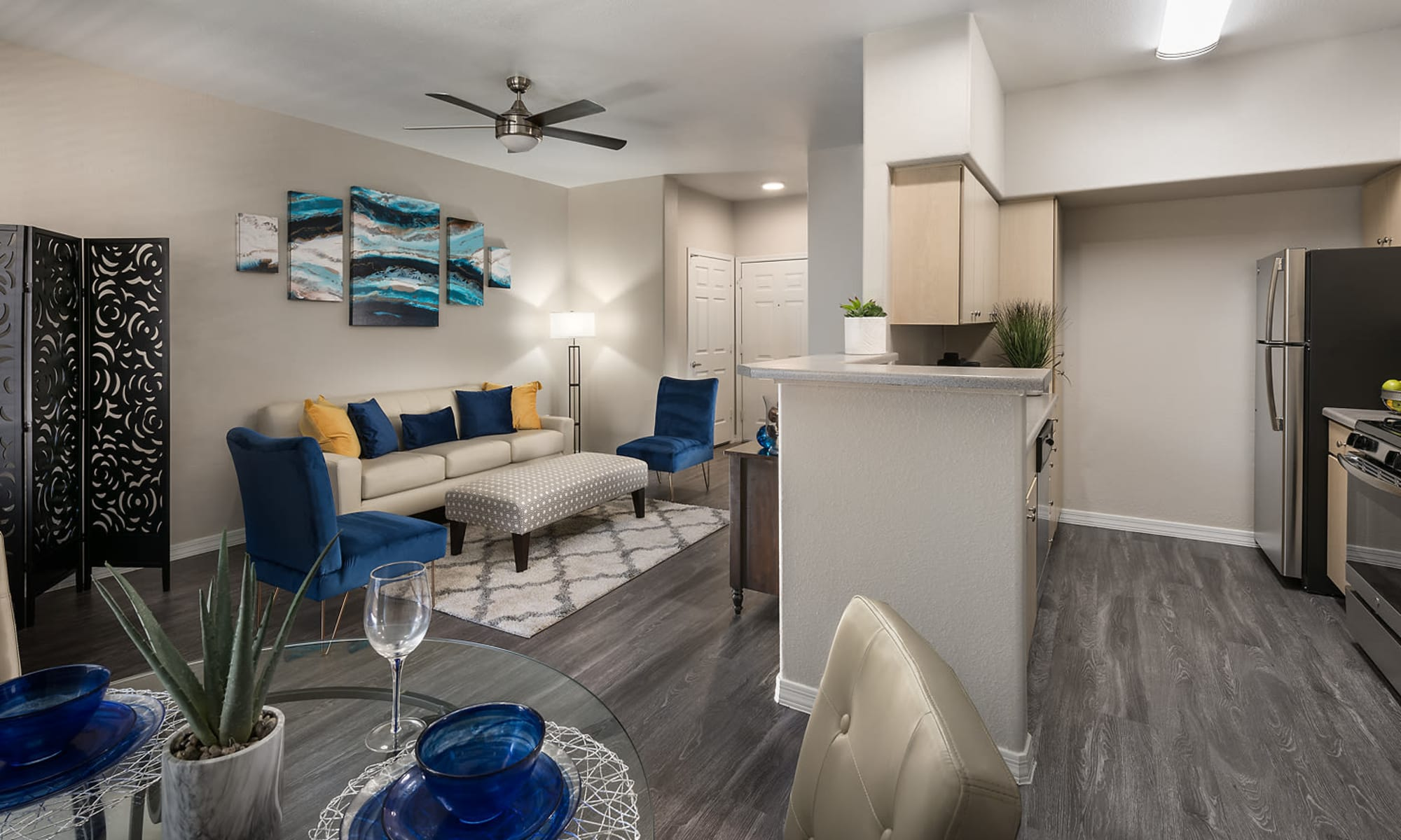 Apartments in Glendale, Arizona, at Laguna at Arrowhead Ranch