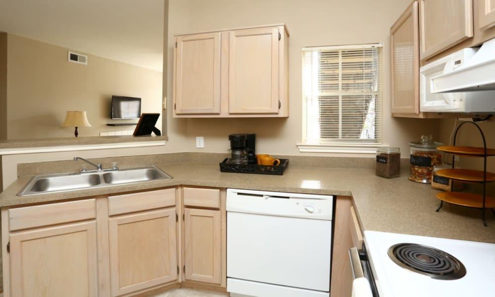 Kitchen at Champion Lake Apartment Homes in Shreveport, Louisiana