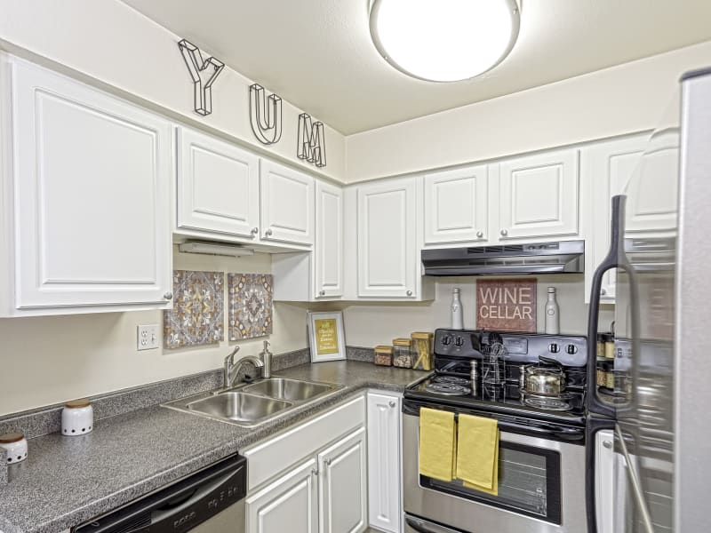 Westhills Apartment Homes kitchen