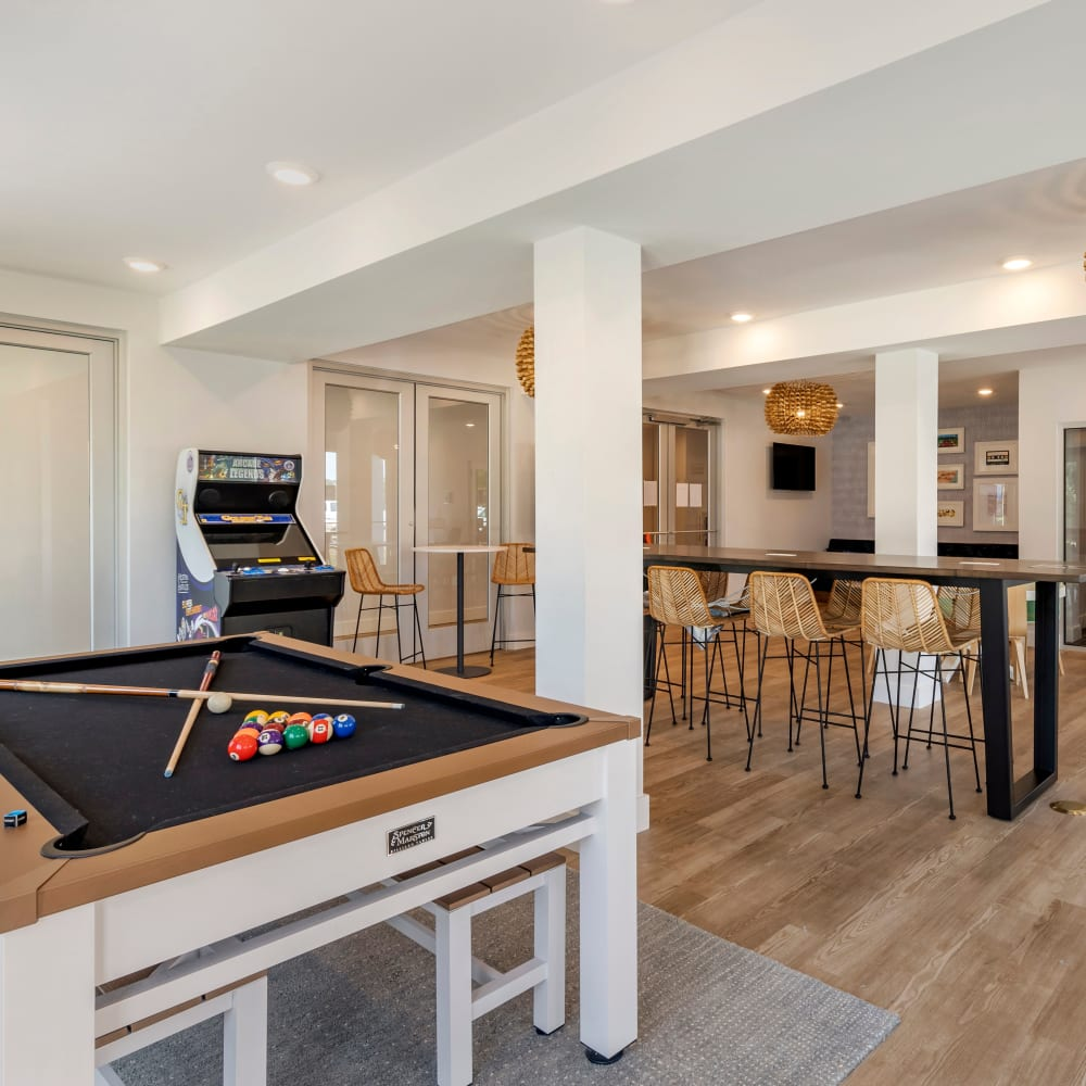 View our community perks at LATITUDE on Hillsborough in Raleigh, North Carolina