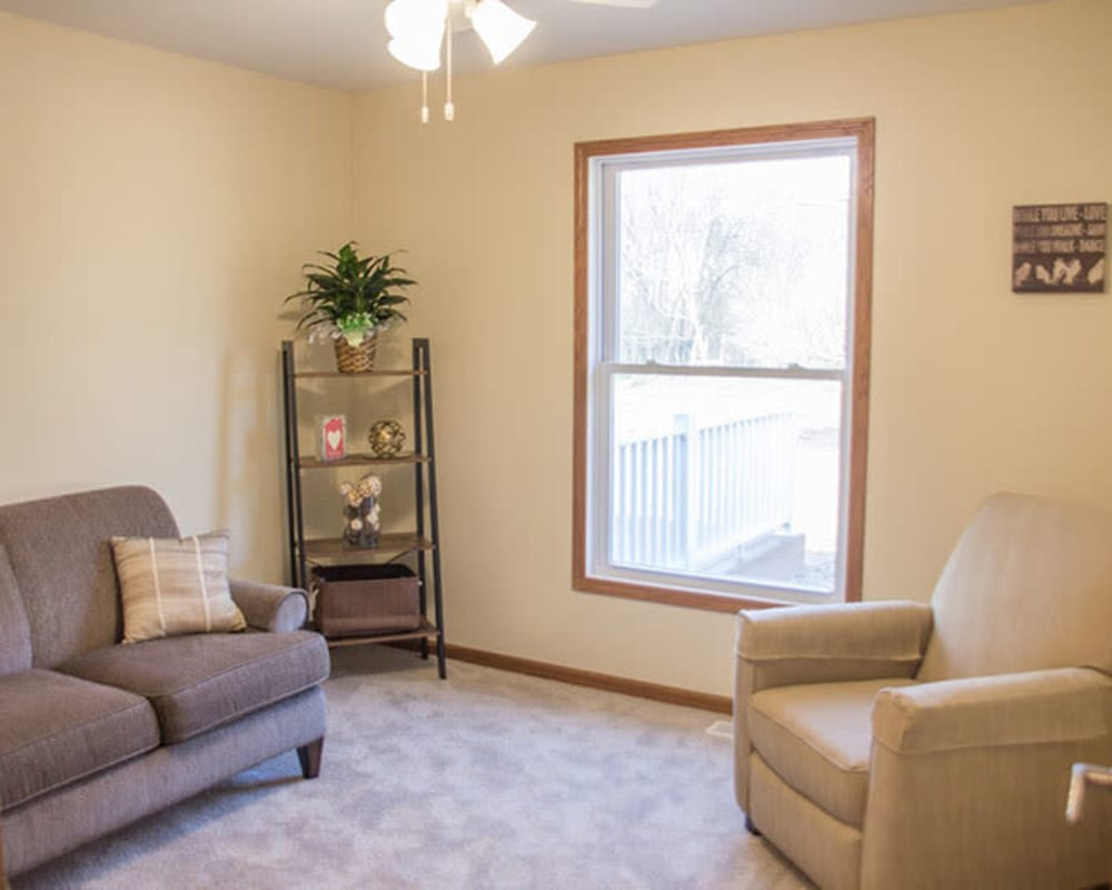 Spacious townhomes are available at Arlington Place Oelwein in Oelwein, Iowa.