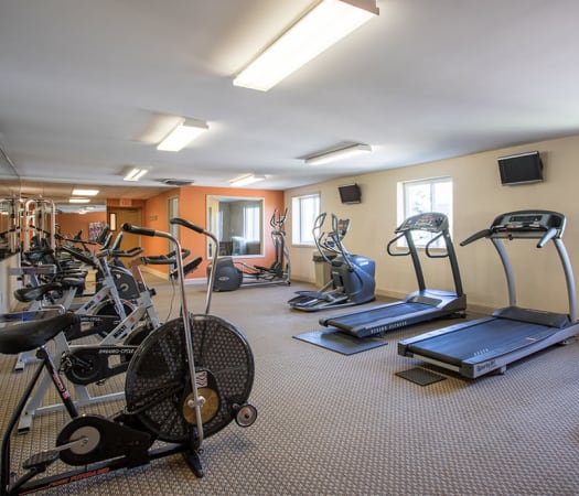 Well equipped fitness center at Idylwood Resort Apartments in Cheektowaga, New York