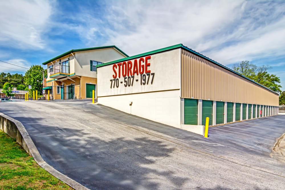 Exterior drive up units at Metro Self Storage in Stockbridge, Georgia