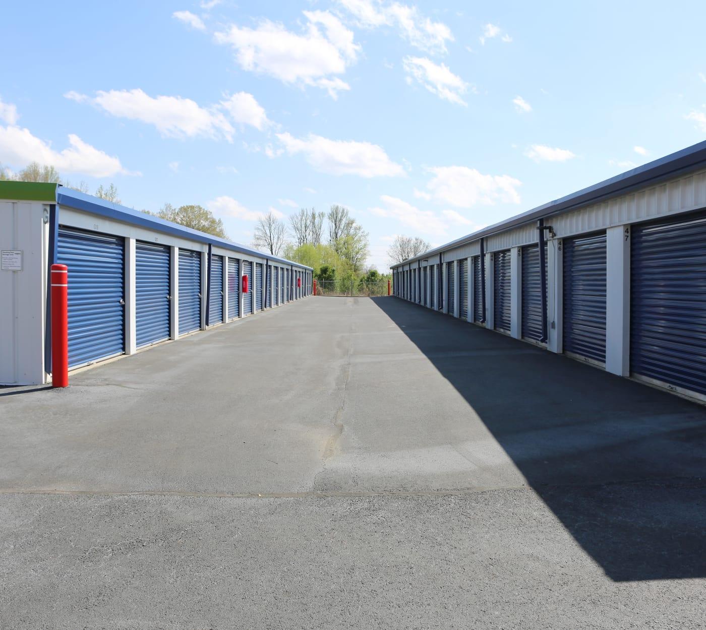 Ground-floor units at Midgard Self Storage in Florence, Alabama