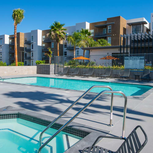 Link to amenities at IMT Sherman Circle in Van Nuys, California