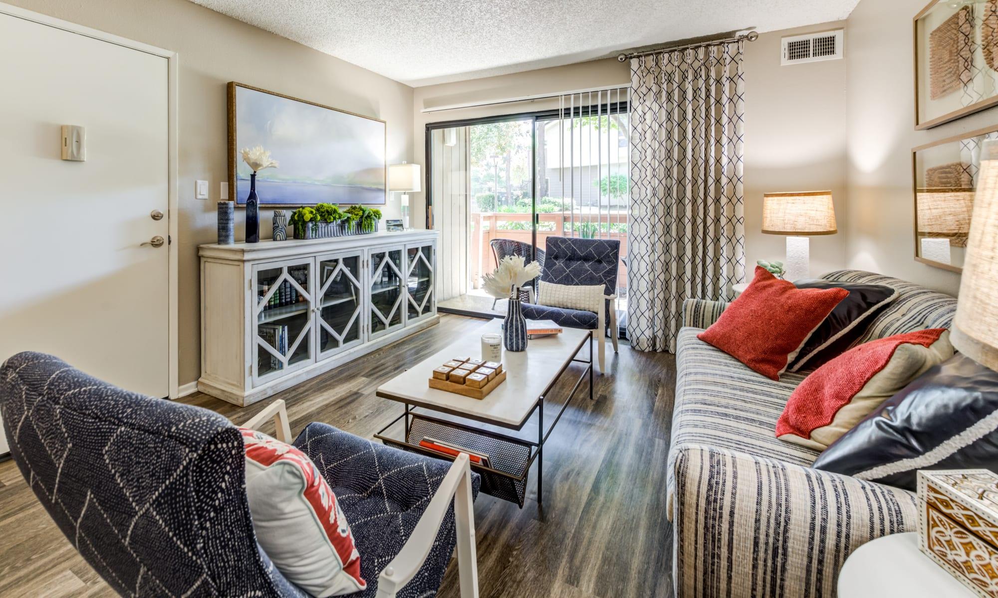 Photos of Parcwood Apartments in Corona, California