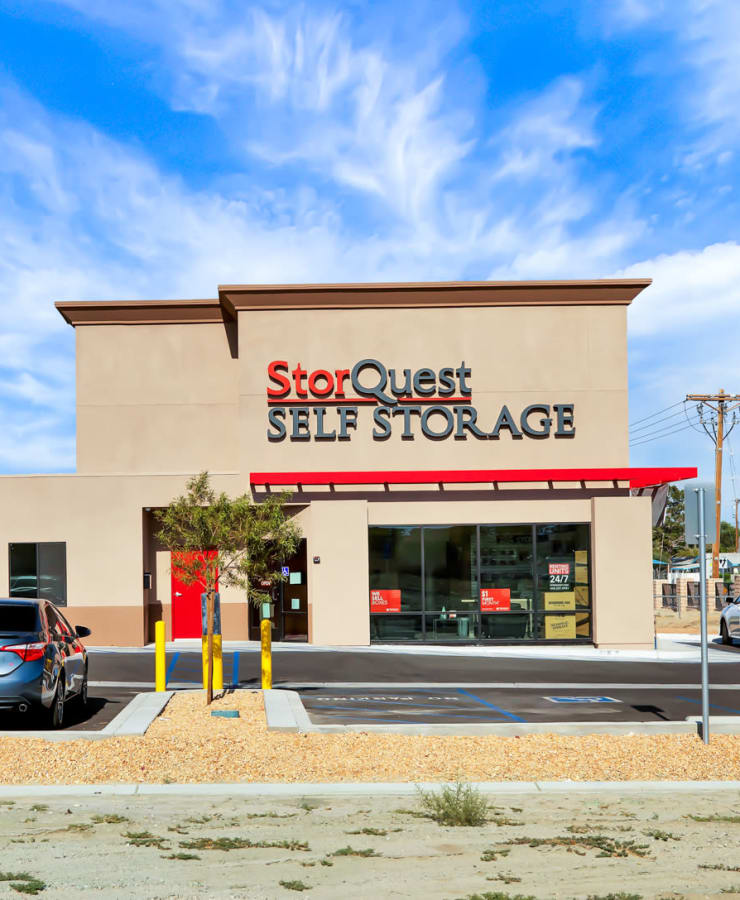 The exterior of the main entrance at StorQuest Self Storage in Bermuda Dunes, California