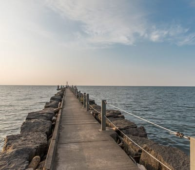 Pier at Waters Edge Apartments in Webster, New York