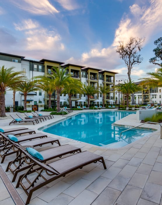 Steele Creek offers sparkling resort-style swimming pool in Jacksonville, Florida