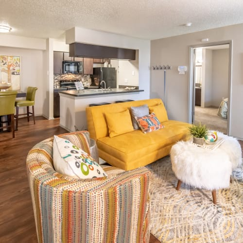 View virtual tour of a 2 bedroom 2 bathroom apartment at Trails of Towne Lake in Irving, Texas