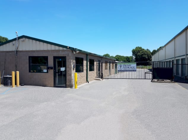 Wide driveway at Prime Storage in Centereach, New York