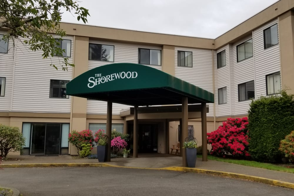 front entrance at Shorewood Senior Living