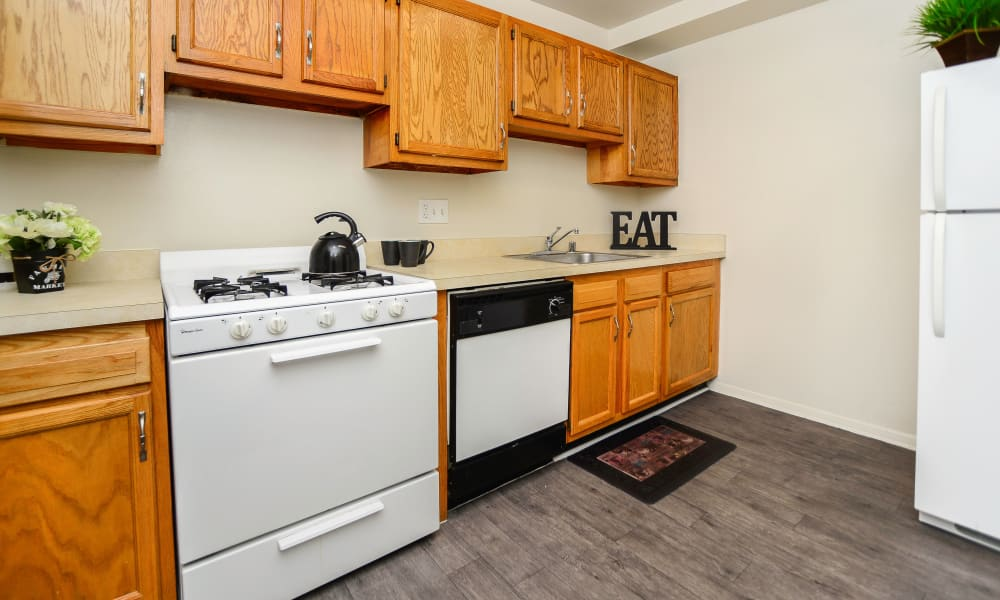 Beautiful kitchen at The Village of Chartleytowne Apartment & Townhomes