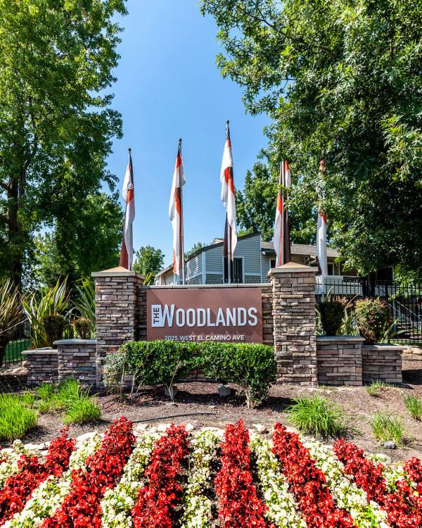 Enjoy the neighborhood at The Woodlands Apartments in Sacramento