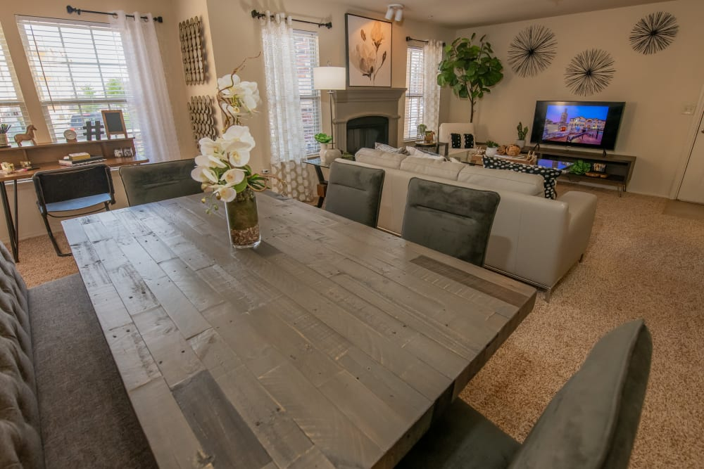 Park at Tuscany dining room, living room and office nook in Oklahoma City, Oklahoma