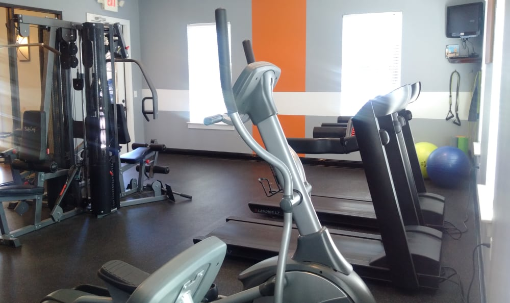 Stay healthy in our well equipped fitness center at Brentwood Station