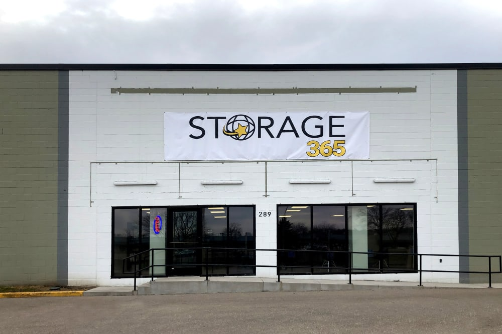 Exterior view of the entrance to Storage 365 in St. Paul, Minnesota