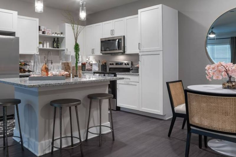 Bar kitchen and dinner nook at Reunion at 400 in Kissimmee, Florida
