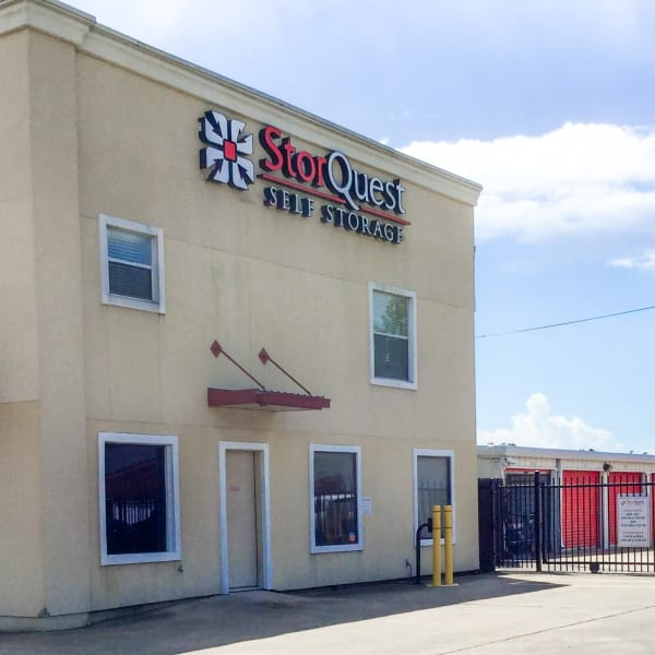 Exterior at StorQuest Self Storage in Friendswood, Texas
