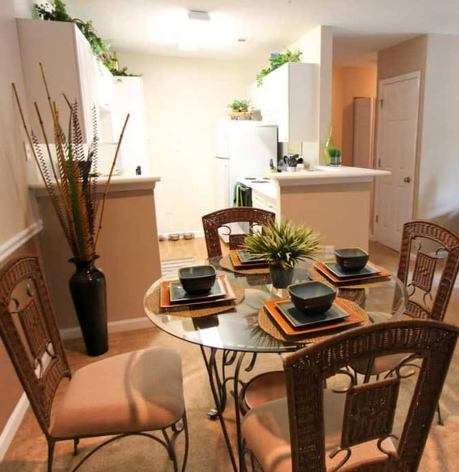 Dining room at North Park at Eagle's Landing in Stockbridge, Georgia
