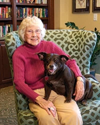Pet friendly senior living community in Shawnee, KS