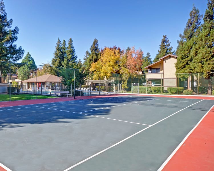 Click to see our amenities at Avery Park Apartments in Fairfield, California