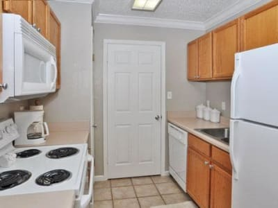 Model kitchen at French Colony Apartments in Lafayette, Louisiana