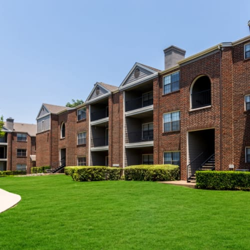 Resident referral bonus at Marquis at Legacy in Plano, Texas