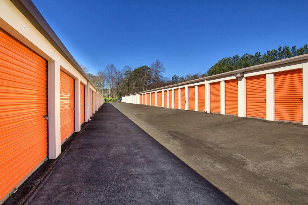 Wide driveways at Prime Storage in Acworth, Georgia