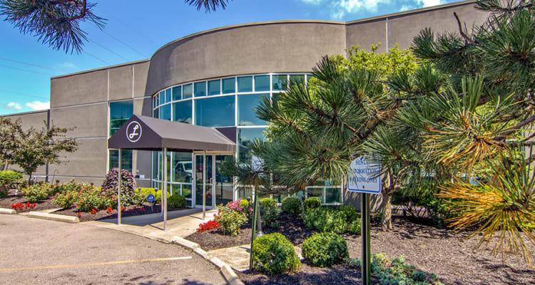 Cincinnati, Ohio leasing office exterior