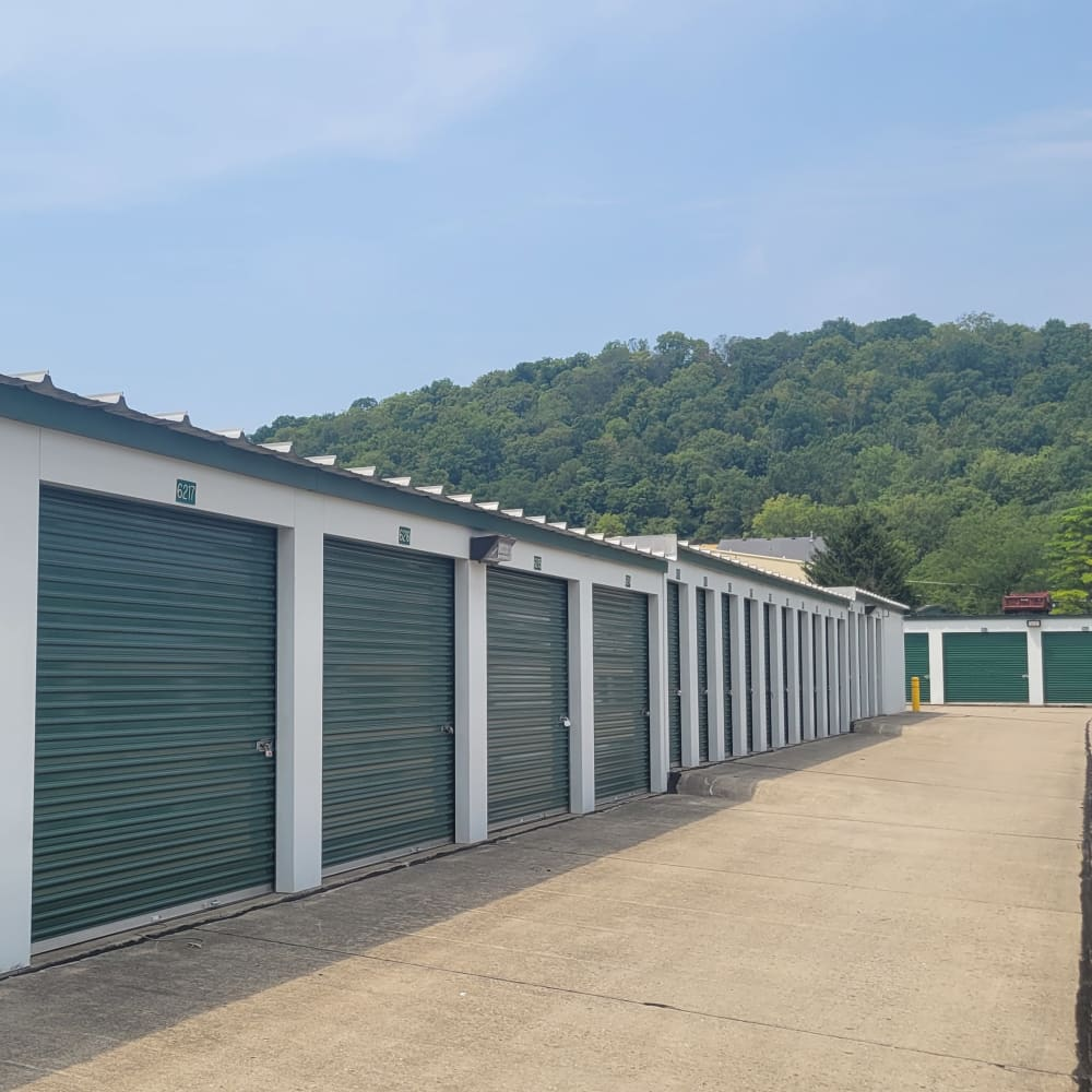 Outdoor storage units with wide driveways in Fort Wright, Kentucky