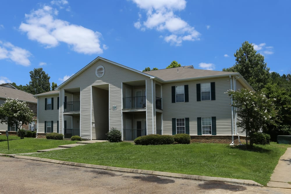Apartments at Summer Park Apartments in Jackson, Mississippi