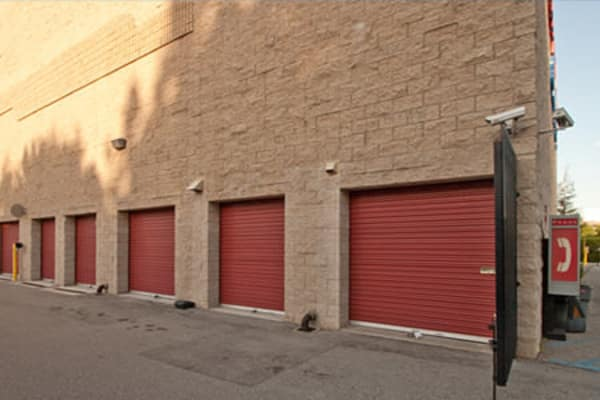 Self storage units for rent at Safe Self Storage in Van Nuys, California