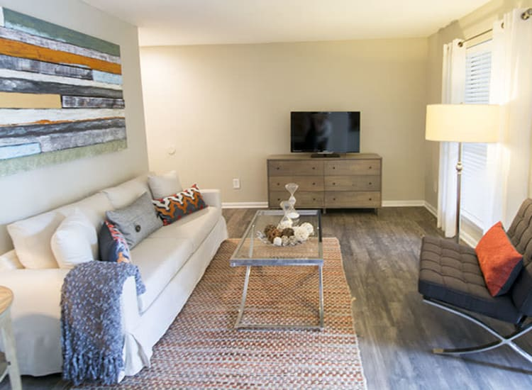 Spacious floor plans at Stonecrossing of Westchase in Houston, Texas.