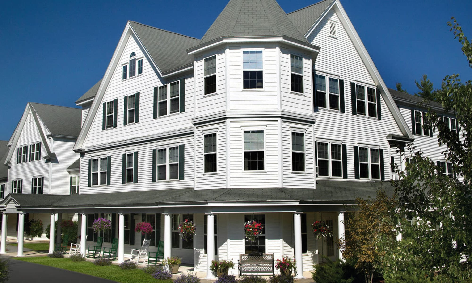 Senior living at Windham Terrace in Windham, New Hampshire