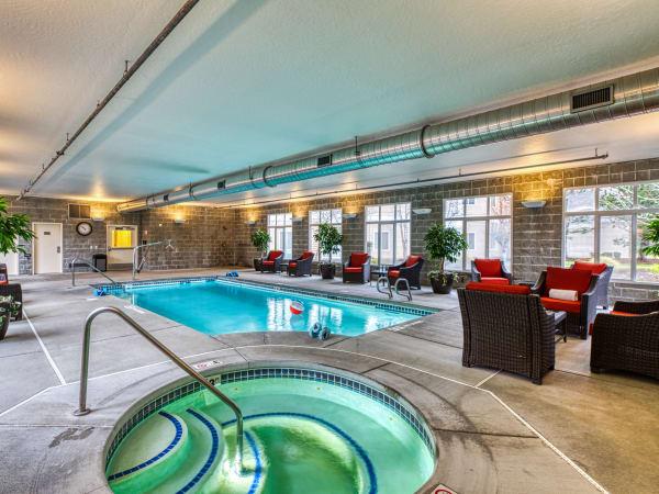 Pool and hot tub at Patriots Landing in DuPont, Washington.