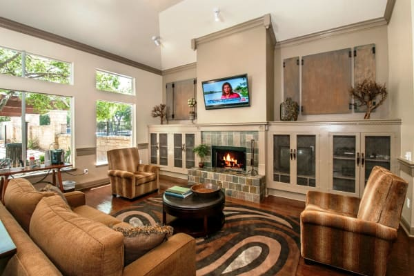 Clubhouse at Ridgecrest Apartment Homes in Austin, Texas