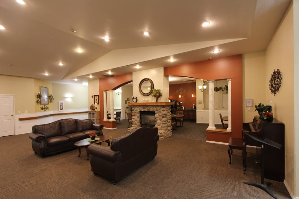 Large common lounge area at The Willows Retirement & Assisted Living in Blackfoot, Idaho