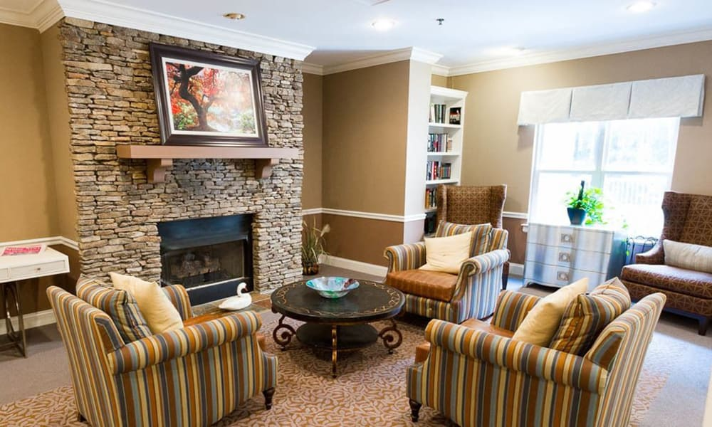 Sitting area at Addington Place of Johns Creek in Johns Creek, GA