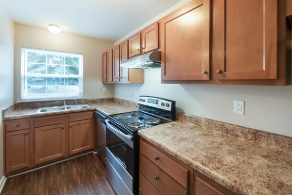 Full equipped kitchen at Heritage Pointe in Rome, Georgia