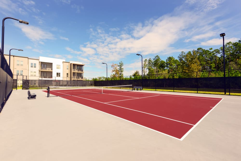 Tennis court at Luxor Club in Jacksonville, Florida