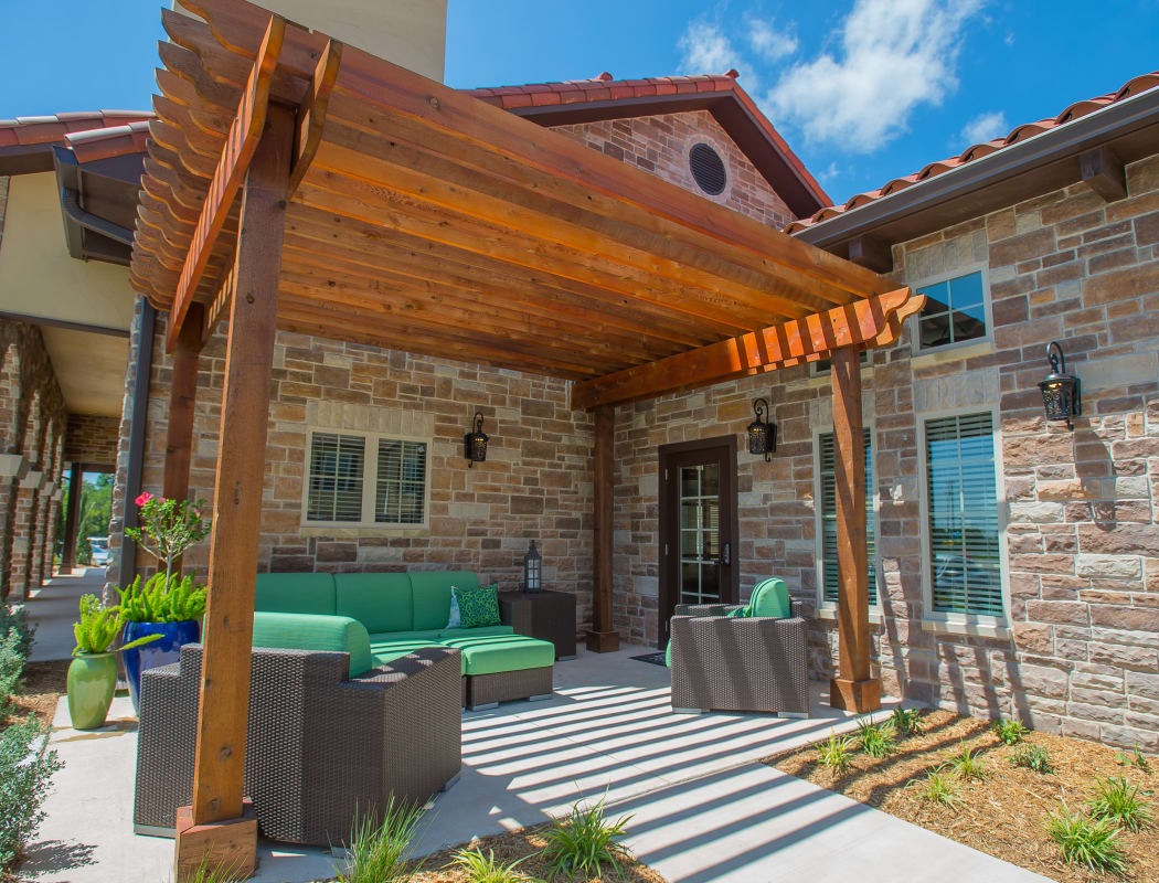 Outdoor lounge area at Tuscany Ranch in Waco, Texas