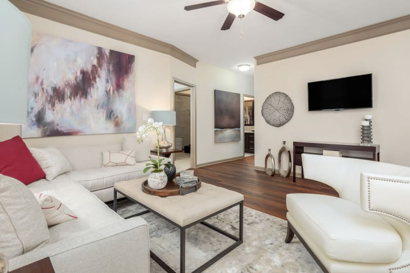Open concept layout with hardwood floors and modern decor at The District in Charlotte, North Carolina