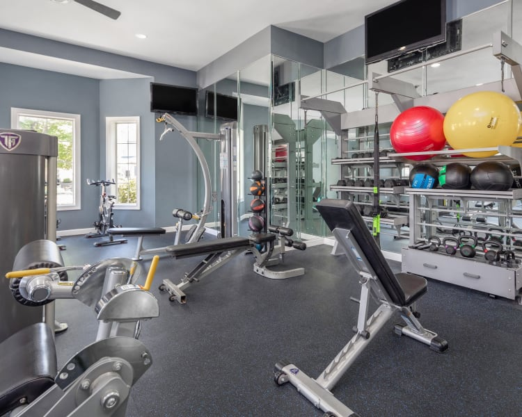 Well-equipped fitness center at Highlands at Alexander Pointe in Charlotte, North Carolina