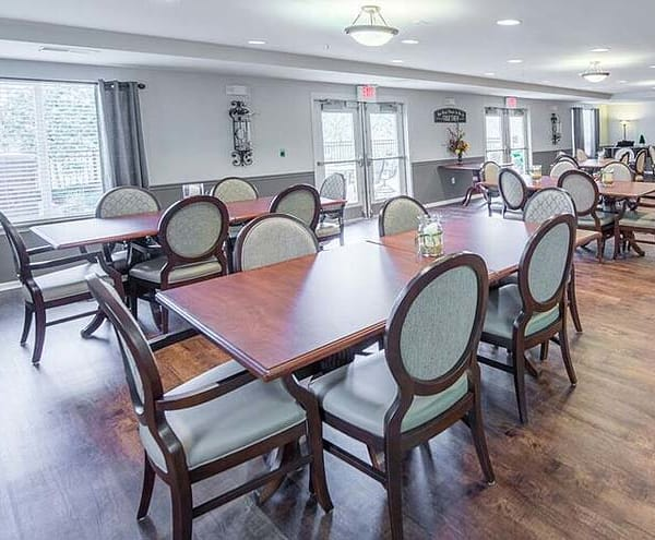 Restaurant-style dining room at The Gardens at Creekside
