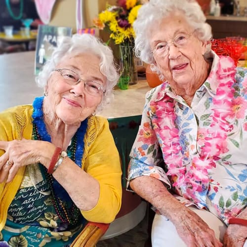 Friends at The Oxford Grand Assisted Living & Memory Care in Kansas City, Missouri