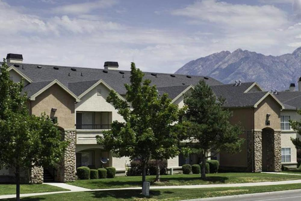 Apartment Exterior At Alpine Meadows Apartments