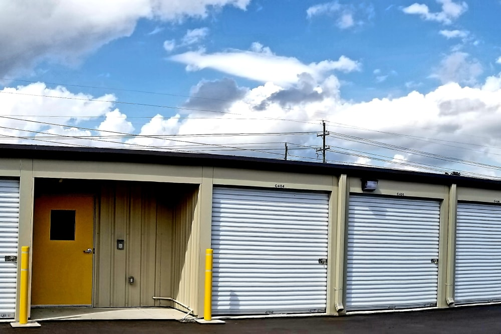 Exterior units at All Seasons Self Storage in Wilmington,North Carolina